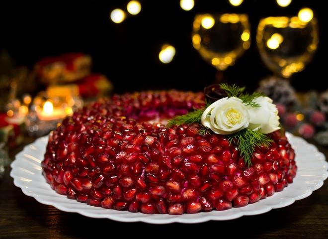 ТОП 10 салатов к Новогоднему столу 2019